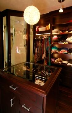 master-walk-in-closet-3